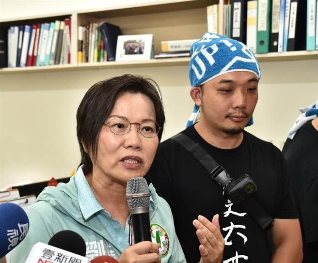 民進黨立委劉世芳(左)堅持走自己的路。(本報系資料照片)